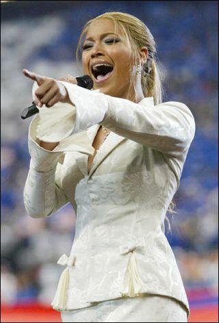 Beyonce_church_suit